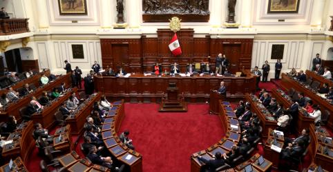 Placeholder - loading - Imagem da notícia Em vitória rara de presidente peruano, Congresso aprova voto de confiança no governo