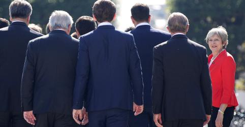 Plano de May para o Brexit fracassa após 'humilhação' pela UE, diz mídia britânica