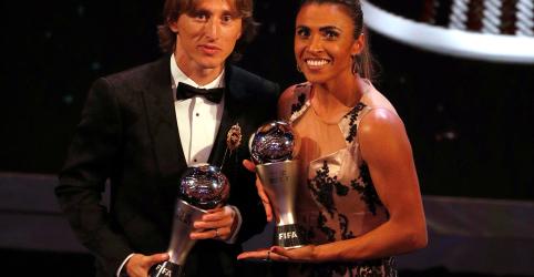 Placeholder - loading - Imagem da notícia Modric leva prêmio de melhor do mundo da Fifa; Marta ganha pela 6ª vez