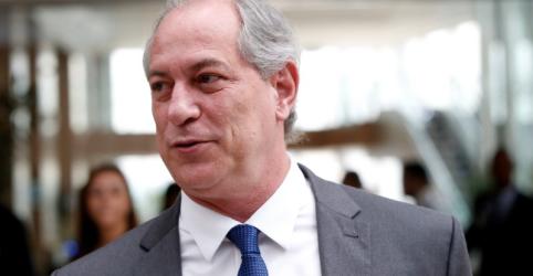 Placeholder - loading - Imagem da notícia Ciro critica fala de Mourão contra o 13º e diz que vice é mais um motivo para não se votar em Bolsonaro