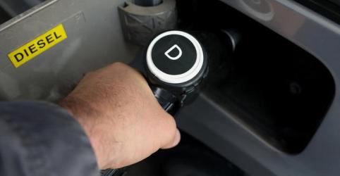 Placeholder - loading - Imagem da notícia ANP aprova acréscimo de R$0,0674/litro a preço de referência para subsídio do diesel