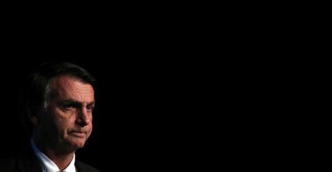 Bolsonaro é acusado em processo de omitir patrimônio, diz Veja; candidato entra com notícia-crime