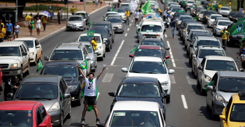 Placeholder - loading - Após protestos contra Bolsonaro, simpatizantes fazem atos em favor de candidato