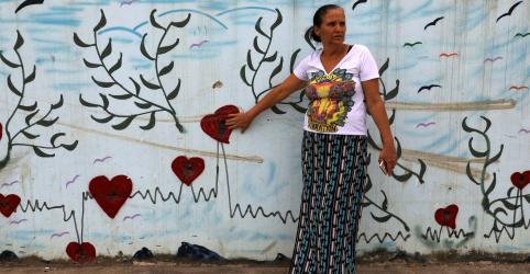 Placeholder - loading - Imagem da notícia WIDER IMAGE - Violência do Rio deixa marcas duradouras em famílias das vítimas