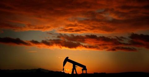 Placeholder - loading - Imagem da notícia Mercado aposta em petróleo a US$100/barril com sanções ao Irã