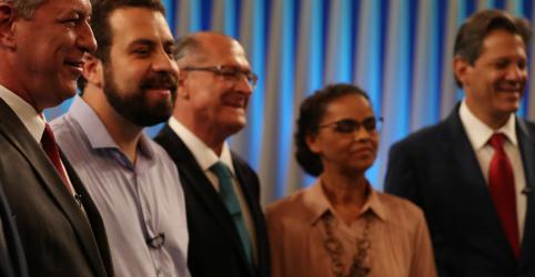 Placeholder - loading - Ausente, líder nas pesquisas Bolsonaro é alvo preferencial em último debate antes do 1º turno