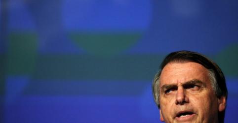 Placeholder - loading - Imagem da notícia Bolsonaro diz defender Brasil contra o comunismo e promete 'curar' lulistas com trabalho