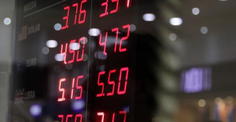 Dólar tem forte queda e vai a R$3,75 com investidores animados por desempenho de Bolsonaro no 1º turno