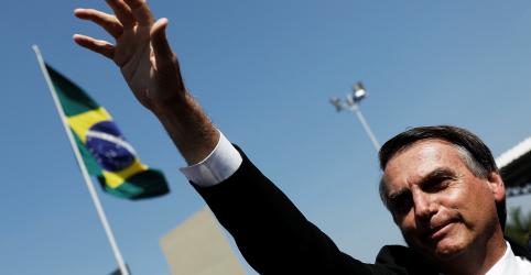 Placeholder - loading - Bolsonaro diz que faltou tato a Mourão ao falar sobre Constituinte de notáveis e autogolpe