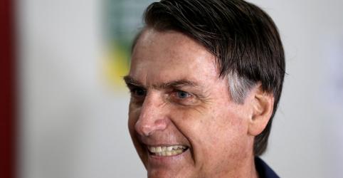 Bolsonaro diz a rádio que acredita na democracia e vai respeitar resultado das urnas
