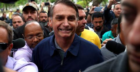 Placeholder - loading - Imagem da notícia Bolsonaro ainda não tem condições de participar de campanha, dizem médicos