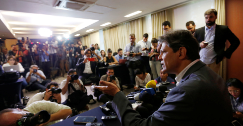 Placeholder - loading - Imagem da notícia Haddad diz que Bolsonaro é contraditório ao votar contra o trabalhador e oferecer 13º para Bolsa Família
