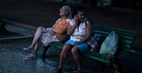 Placeholder - loading - Time econômico de Bolsonaro avalia usar reforma da Previdência de Temer, apesar de aliados rejeitarem ideia