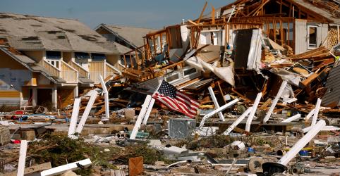Placeholder - loading - Imagem da notícia Número de mortos por furacão Michael sobe a 16 nos EUA enquanto buscas prosseguem