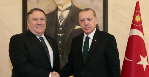 Pompeo encontra Erdogan após conversar com sauditas sobre jornalista desaparecido
