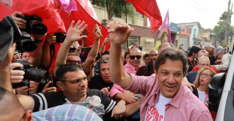 Placeholder - loading - Imagem da notícia Haddad volta ao Nordeste para tentar recuperar otimismo, mas campanha admite crise de ideias para bater Bolsonaro
