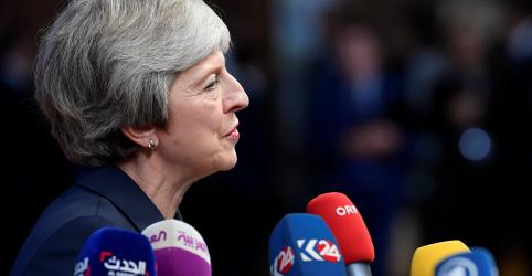 Premiê britânica sugere estender período de transição do Brexit