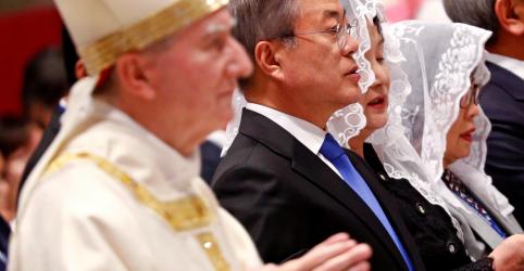 Placeholder - loading - Imagem da notícia Presidente sul-coreano entrega ao papa convite da Coreia do Norte para visitar o país