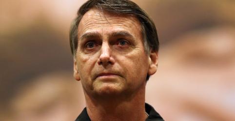 Bolsonaro tem boa evolução, mas ainda precisa de suporte nutricional e fisioterapia, diz médico