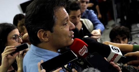 Haddad diz que campanha de Bolsonaro pediu e recebeu 'dinheiro sujo' de empresários para mensagens no WhatsApp