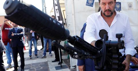 Vice-premiê da Itália Salvini volta a Roma para tratar de disputa na coalizão governista