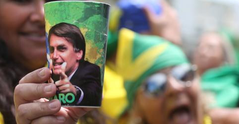 Bolsonaro diz não enviará nada ao Congresso sem conversa prévia; quer tipificar atos do MST como terrorismo