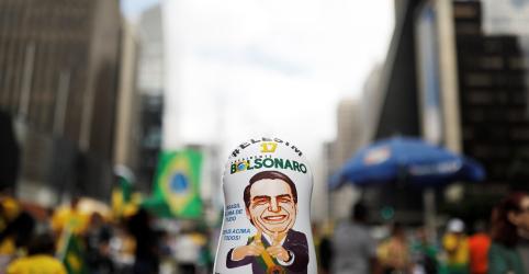 Bolsonaro diz que 'não existe isso de fechar o STF'