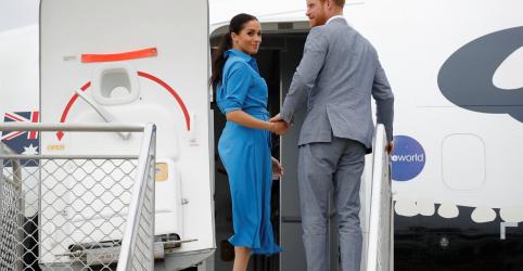 Avião de príncipe Harry e Meghan aborta pouso em Sydney sem incidentes
