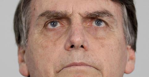 Placeholder - loading - Imagem da notícia Bolsonaro diz que só Onyx, Heleno e Guedes estão confirmados como ministros em eventual governo