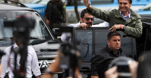 Placeholder - loading - Imagem da notícia Bolsonaro diz que expectativa é de vitória pelo que tem visto nas ruas