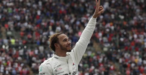 Placeholder - loading - Imagem da notícia Hamilton conquista 5º título da Fórmula 1; Verstappen vence no México