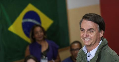 Placeholder - loading - Imagem da notícia Boca de urna do Ibope aponta eleição de Bolsonaro com 56% dos votos válidos, contra 44% de Haddad