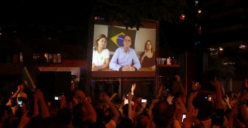Placeholder - loading - Imagem da notícia ANÁLISE-Bolsonaro impõe primeira derrota em anos ao PT na disputa presidencial, mas não terá vida fácil no Congresso