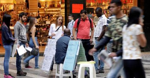 Placeholder - loading - Brasil fecha 3º tri com queda na taxa de desemprego a 11,9%; desânimo e informalidade permanecem