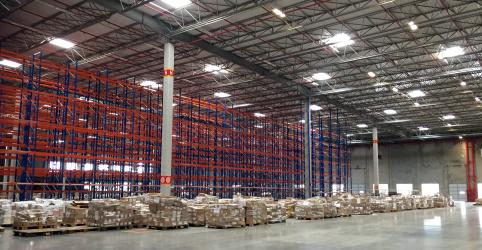 Placeholder - loading - Imagem da notícia ENFOQUE-Negociações duras, desafios logísticos e tributários retardam avanço da Amazon no Brasil