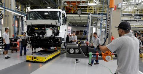 Placeholder - loading - Crescimento da indústria acelera em outubro e emprego aumenta pela 1ª vez em 3 meses, mostra PMI