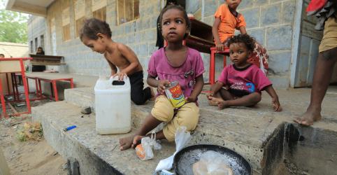 Placeholder - loading - Imagem da notícia Crianças morrem no Iêmen com bloqueio de ajuda humanitária, alerta Unicef