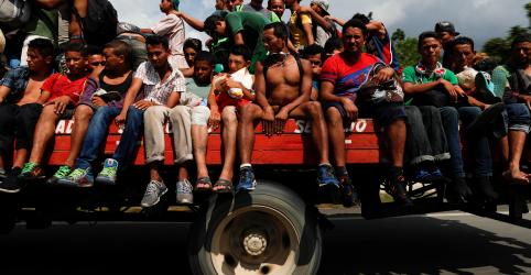 Placeholder - loading - Imagem da notícia Primeira leva de imigrantes da América Central chega à Cidade do México