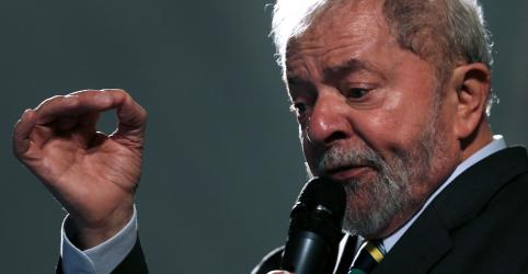Placeholder - loading - Imagem da notícia Defesa pede liberdade de Lula e alega suspeição de Moro como base