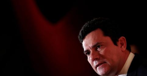 Moro diz que cargo de ministro é técnico e que mantém promessa de não ingressar na política