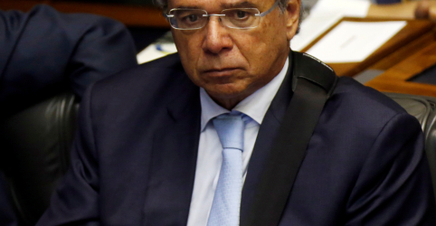 Placeholder - loading - Imagem da notícia Aprovação da reforma da Previdência de Temer faria economia crescer até 3,5% em 2019, diz Guedes