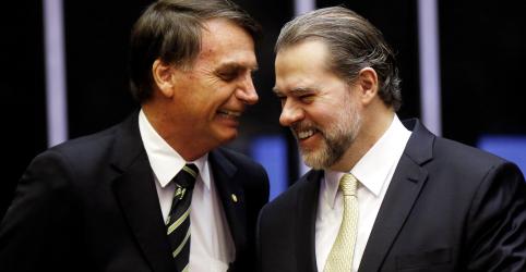 Placeholder - loading - Imagem da notícia Bolsonaro diz a Toffoli que vai consultá-lo antes de enviar medidas ao Congresso