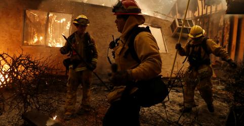 Placeholder - loading - Incêndio deixa 5 mortos na Califórnia e provoca retirada de Malibu