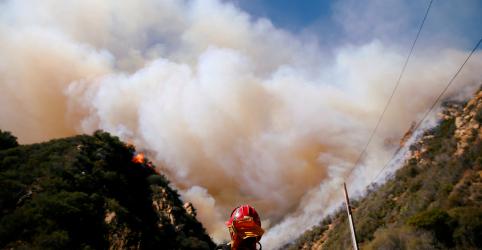 Placeholder - loading - Número de mortes por incêndio florestal sobe para 31 na Califórnia