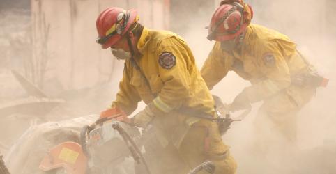Placeholder - loading - Imagem da notícia Guarda Nacional auxiliará busca de vítimas do incêndio florestalmais letal da Califórnia