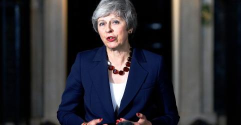 Placeholder - loading - Imagem da notícia Após apoio de gabinete, Theresa May se prepara para batalha do Brexit no Parlamento britânico