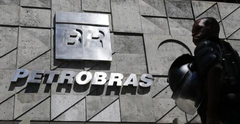 Placeholder - loading - Imagem da notícia Petrobras diz que indicação de Castello Branco não foi formalizada, passará por Conselho