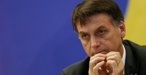 Bolsonaro admite privatizar 'alguma coisa' da Petrobras e diz que empresa é 'estratégica'