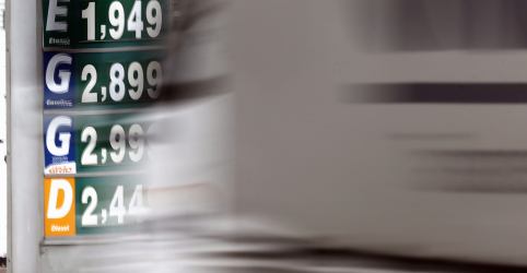 Placeholder - loading - Imagem da notícia Com petróleo em queda, ANP vê chance para antecipar fim de subsídio ao diesel