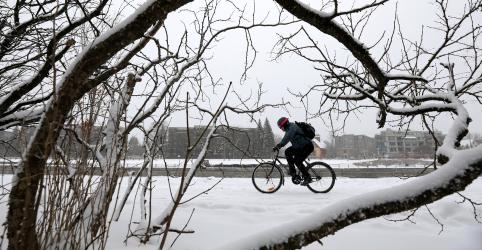 Nevasca cancela mais de 1.200 voos no Meio-Oeste dos EUA